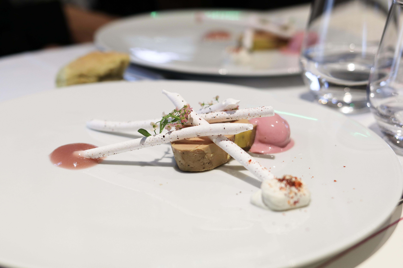 Vacherin - Foie gras de canard du Pays Basque, miel-hydromel et chantilly fumée